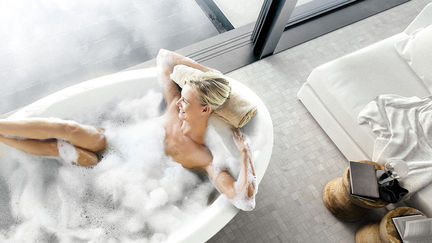 Home: Jacuzzi 03