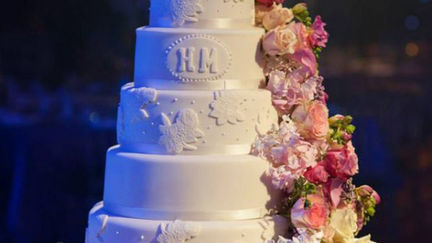 Offering Luxury Indian Asian Wedding Cakes in London