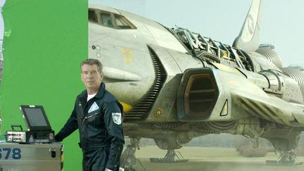 Pierce Brosnan Spaceship